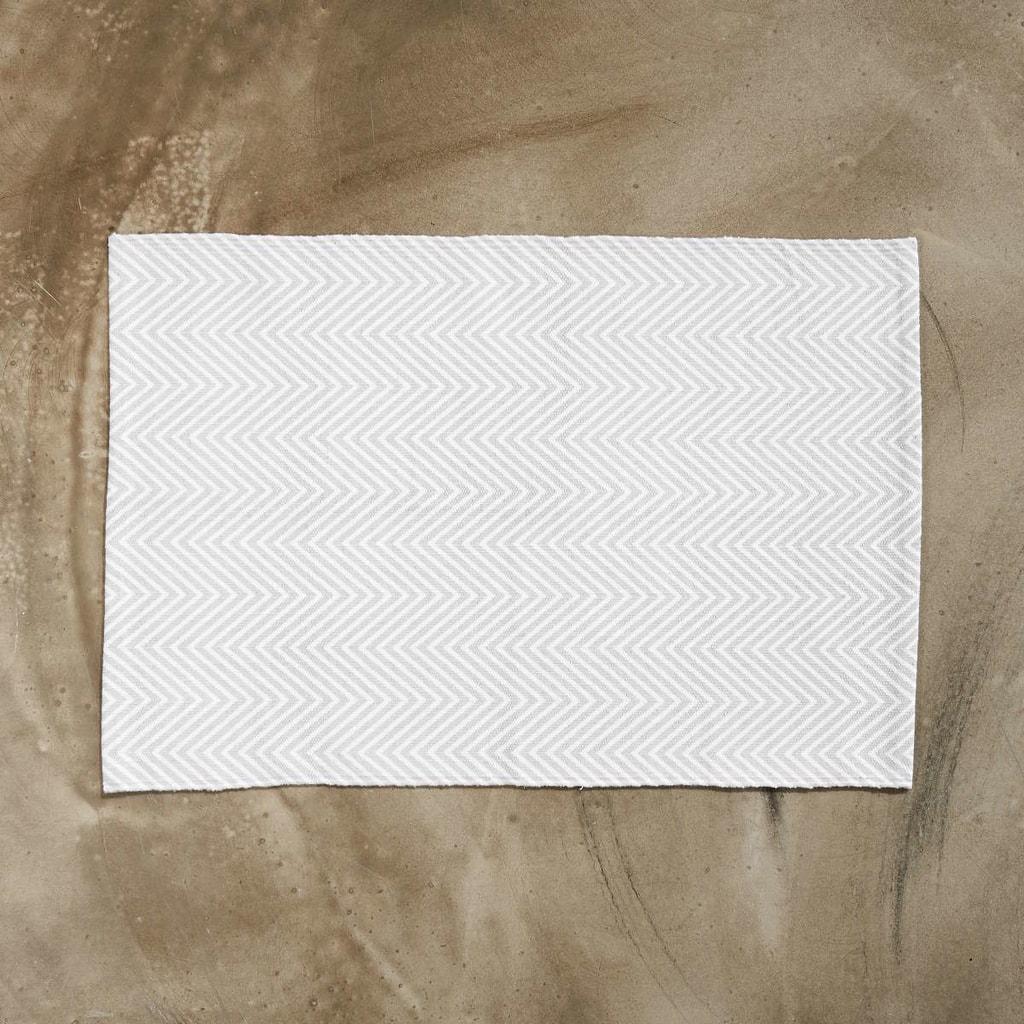 SILENT DANCER Koberec rybí kost 60 x 90 cm - šedá/bílá