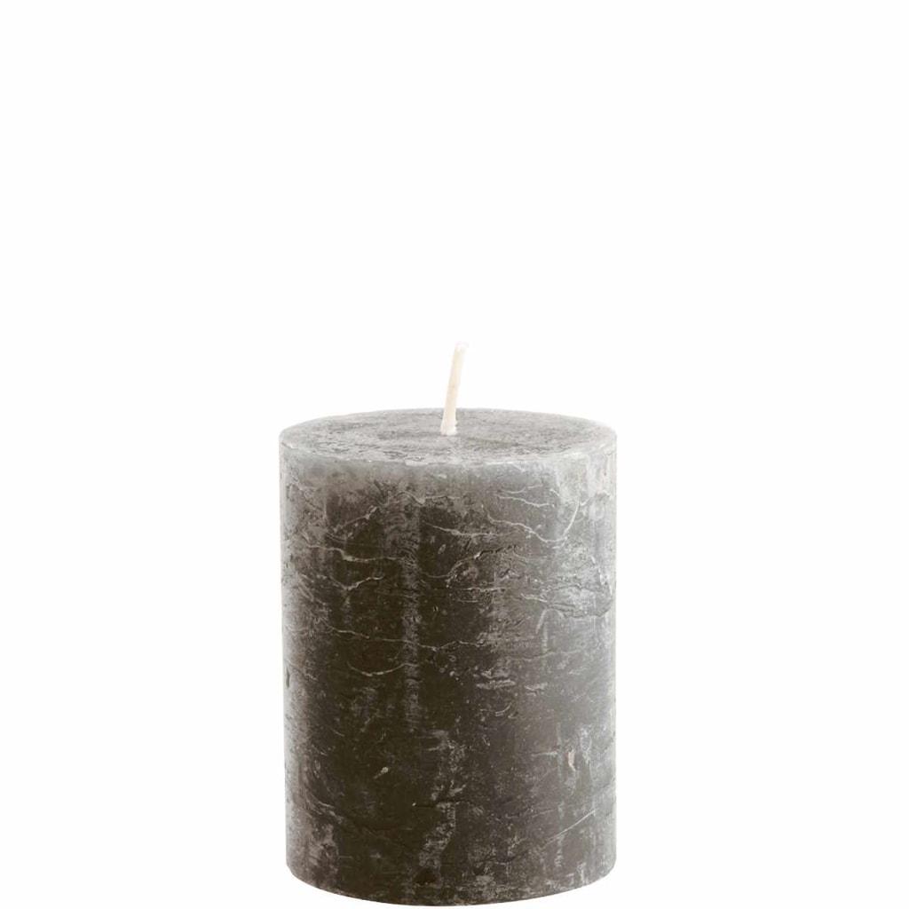 RUSTIC Svíčka 9 cm - tm. šedá