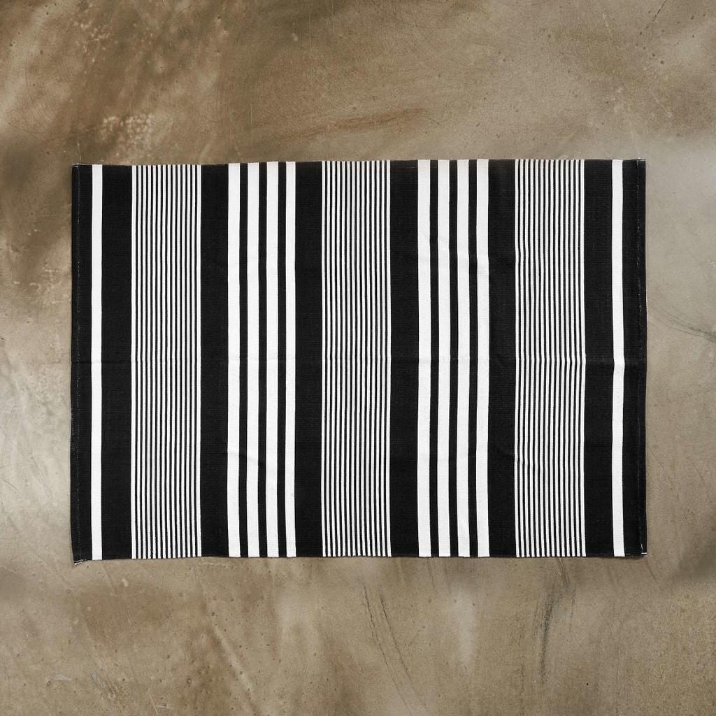 SILENT DANCER Koberec pruhovaný 120 x 170 cm - černá/bílá